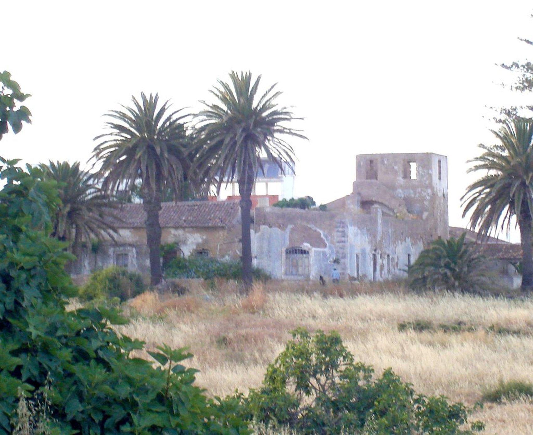 Ruinas do antigo Convento da Trindade