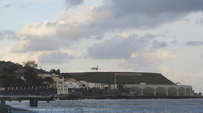 Aeroporto Santa Cruz, Madeira1
