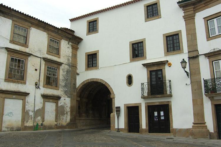 Casa do Arco do Bispo